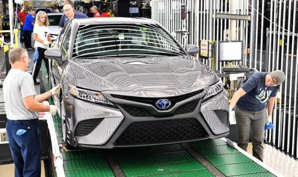 2018 Toyota Camry Lineoff 600x358 at 2018 Toyota Camry Production Begins in Kentucky