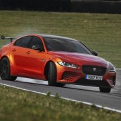 Jaguar XE SV Project 8-3