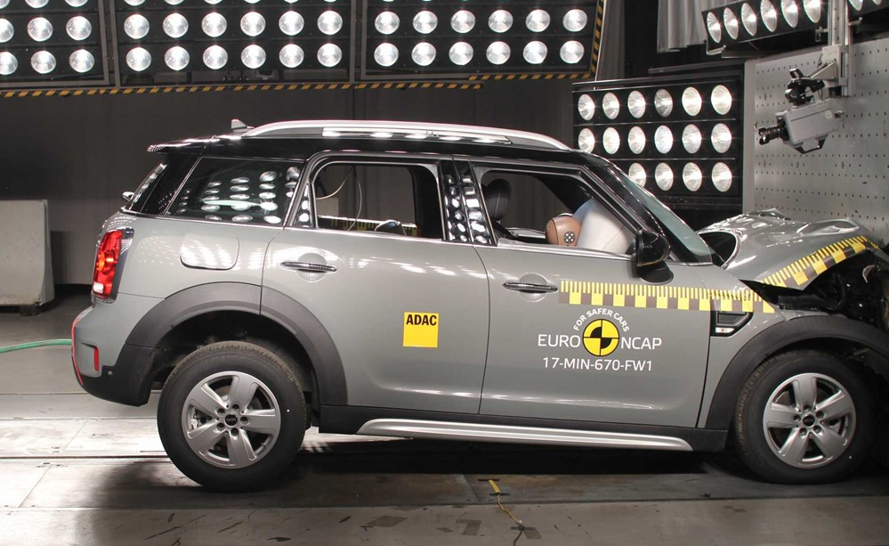 mini countryman earns euro ncap 5 star safety rating. Black Bedroom Furniture Sets. Home Design Ideas