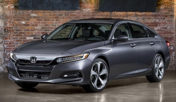 2018 Honda Accord 0 600x346 at Official: 2018 Honda Accord