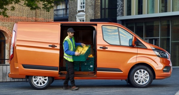 transit custom 2018 600x319 at Official: 2018 Ford Transit Custom