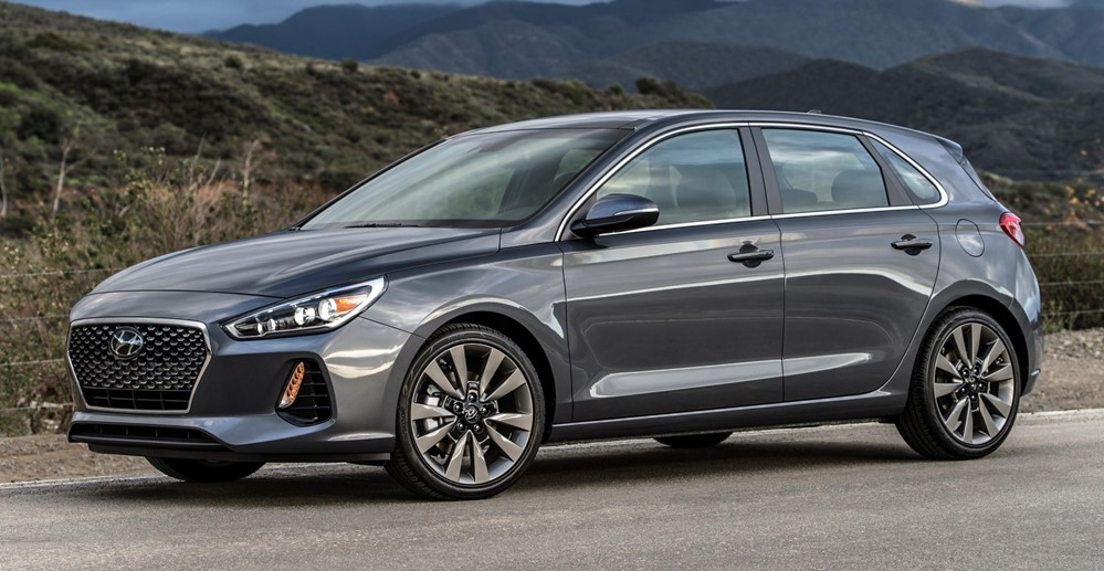 2018 hyundai elantra gt pricing and specs blogs bloglikes. Black Bedroom Furniture Sets. Home Design Ideas