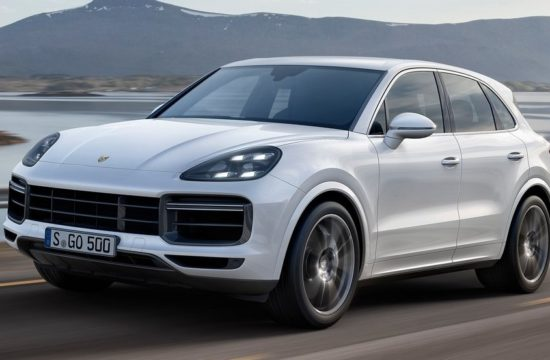 2018 Porsche Cayenne Turbo 0 550x360 at 2018 Porsche Cayenne Turbo Unveiled with 550 PS