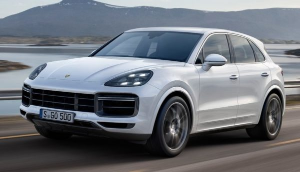 2018 Porsche Cayenne Turbo 0 600x345 at 2018 Porsche Cayenne Turbo Unveiled with 550 PS