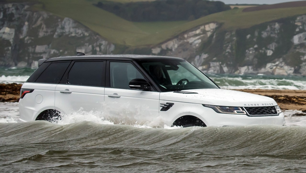 Good 2018 Range Rover Sport Water Challenge 2 730x414 At 2018 Range Rover Sport  Takes On Swimmers