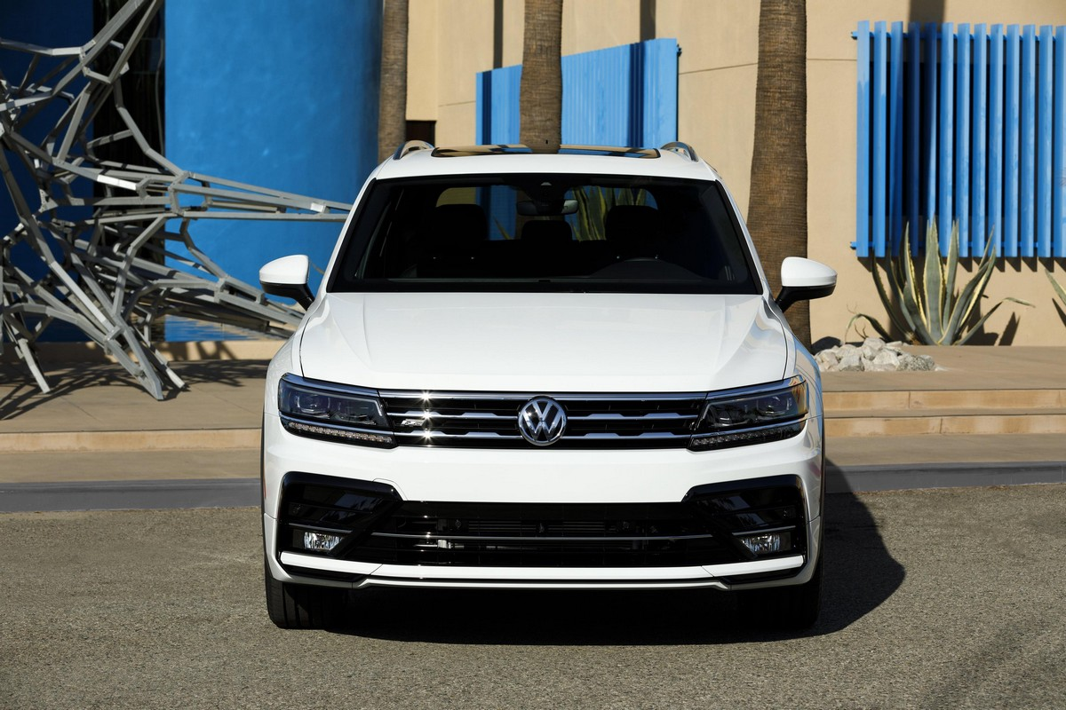 2018 vw tiguan r line launches in america. Black Bedroom Furniture Sets. Home Design Ideas