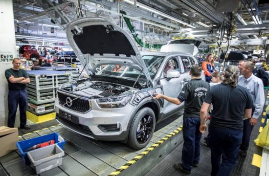 2018 Volvo XC40 Production 1 550x360 at 2018 Volvo XC40 Production Begins in Ghent
