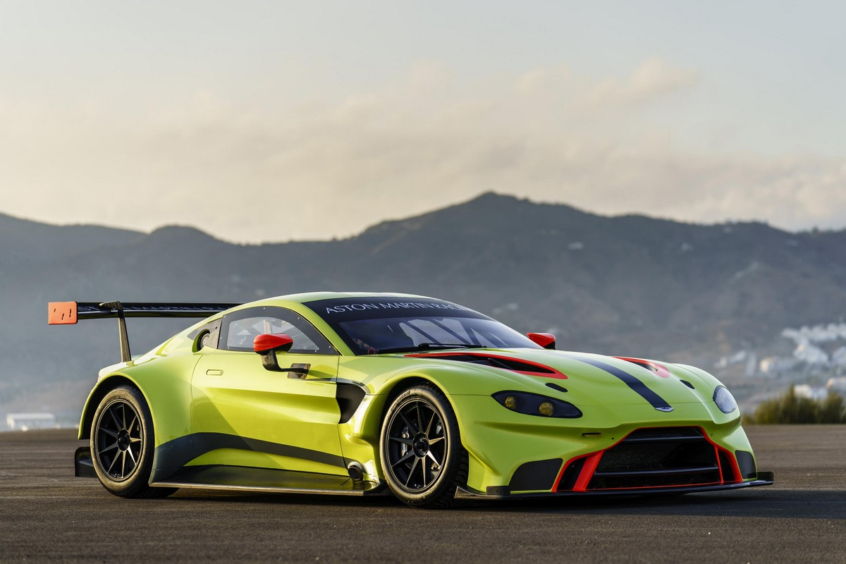 official 2018 aston martin racing vantage gte. Black Bedroom Furniture Sets. Home Design Ideas