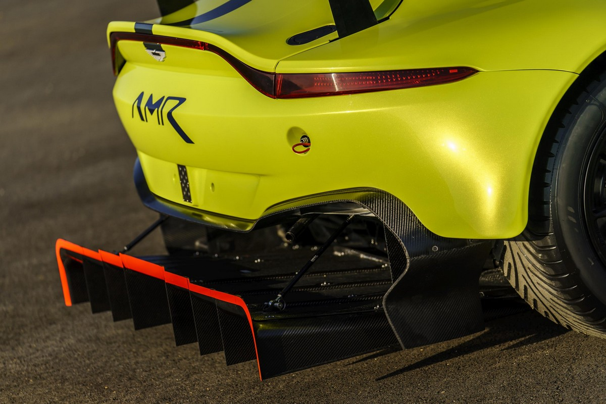 Official: 2018 Aston Martin Racing Vantage GTE