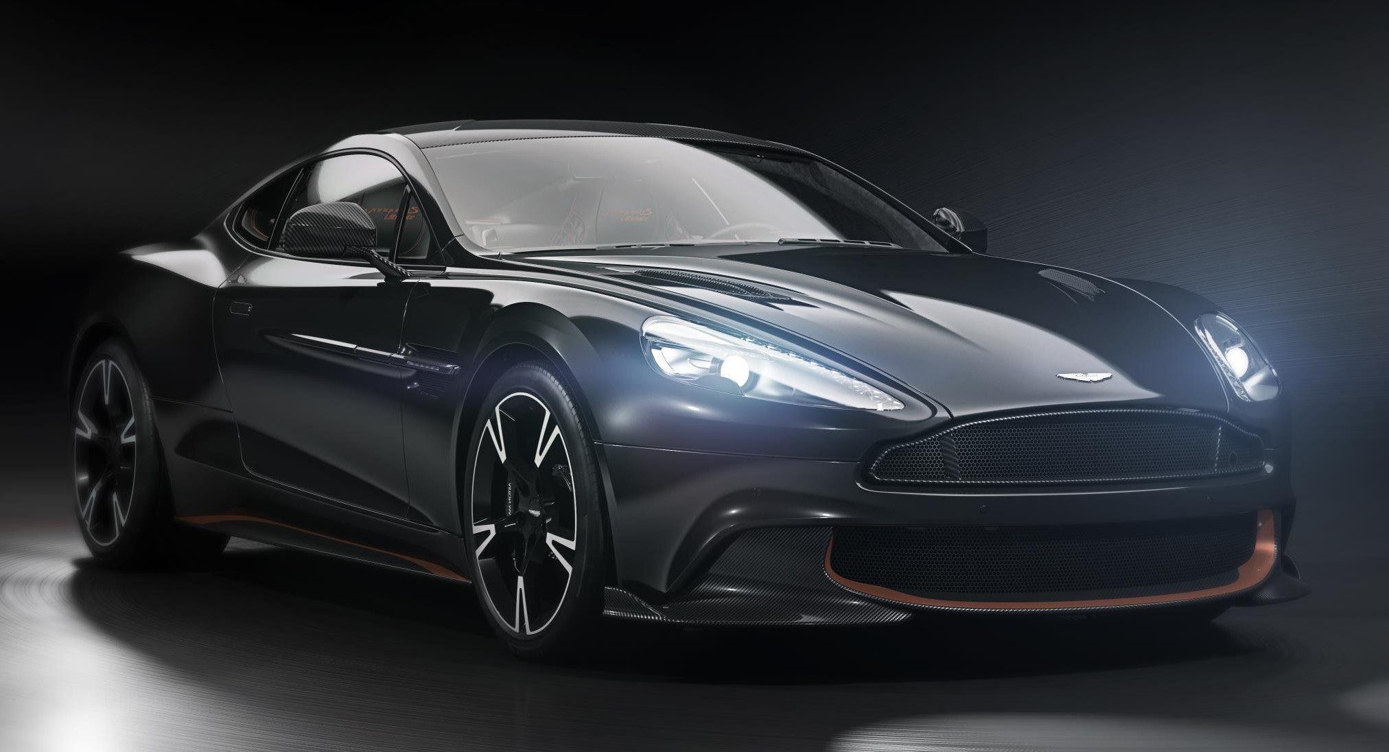 official aston martin vanquish s ultimate. Black Bedroom Furniture Sets. Home Design Ideas