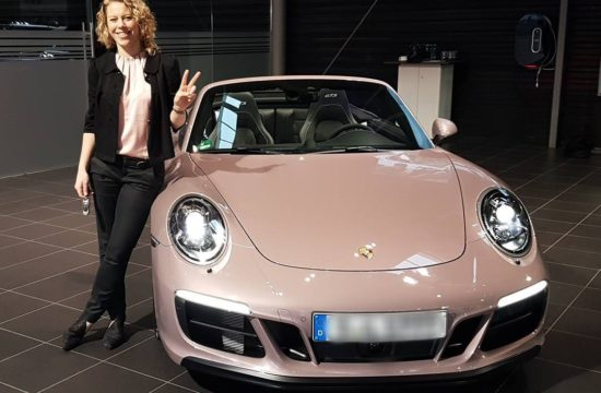 frozen berry porsche 911 550x360 at Worth Seeing: Frozen Berry Porsche 911 for Laura Siegemund
