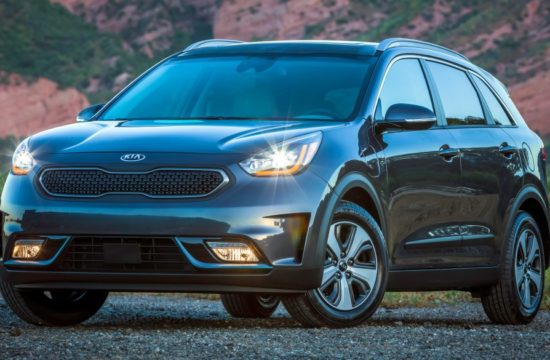 2018 Kia Niro Plug in Hybrid 1 550x360 at Official: 2018 Kia Niro Plug in Hybrid (PHEV)