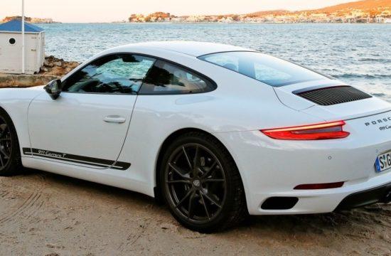 2018 Porsche 911 Carrera T 12 550x360 at Porsche 911 Carrera T (2018) In Depth Look