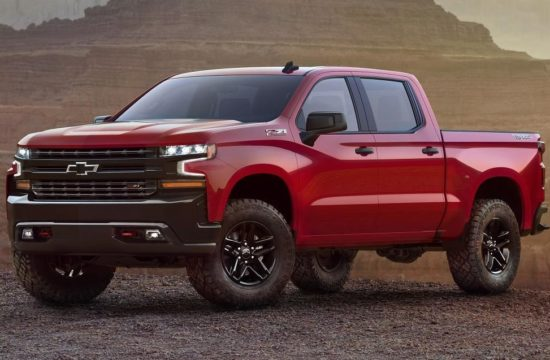 2019 Chevrolet Silverado 001 550x360 at 2019 Chevrolet Silverado Unveiled Ahead of NAIAS Debut