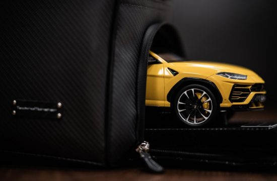Collezione Automobili Lamborghini Urus 1 550x360 at Lamborghini Urus Gets its Own Apparel and Accessories Collection