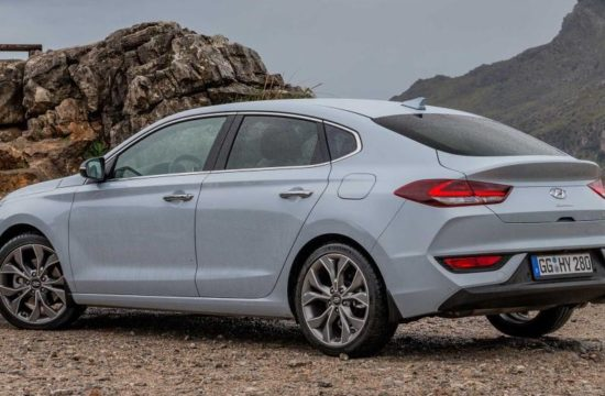 Hyundai i30 Fastback uk 0 550x360 at 2018 Hyundai i30 Fastback UK Pricing and Specs Confirmed