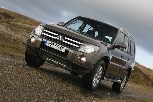 2010 Mitsubishi Pajero 1 at 2010 Mitsubishi Pajero with new engine and options