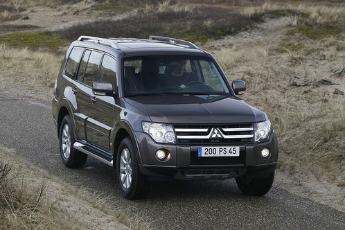 2010 Mitsubishi Pajero 2 at 2010 Mitsubishi Pajero with new engine and options