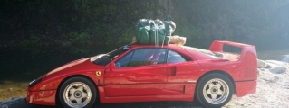 Camping in Ferrari F40 Looks Like a Lot of Fun!