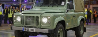 Last of the Current Land Rover Defender Rolls Off the Line