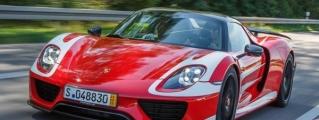 Mark Webber Buys a Red Porsche 918