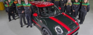 Three Millionth MINI Rolls Off Production Line at Oxford