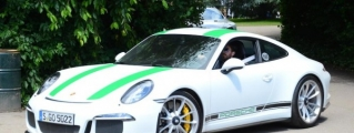 Porsche 911 R Tackling Goodwood Hill Is Pure Poetry