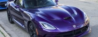 Purple Dodge Viper Looks Vicious in the Wild