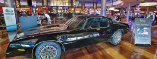 Burt Reynolds' Bandit Trans Am Makes $480,000