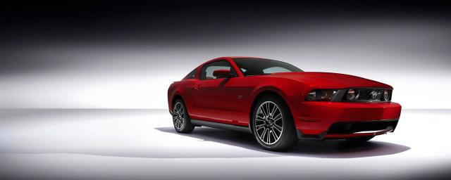 2010 ford mustang 17 at 2010 Ford Mustang   What was all the teasing for?!
