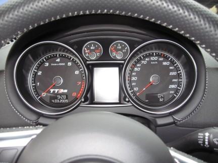 Audi TT RS for 64,300 Euros! ttrs11