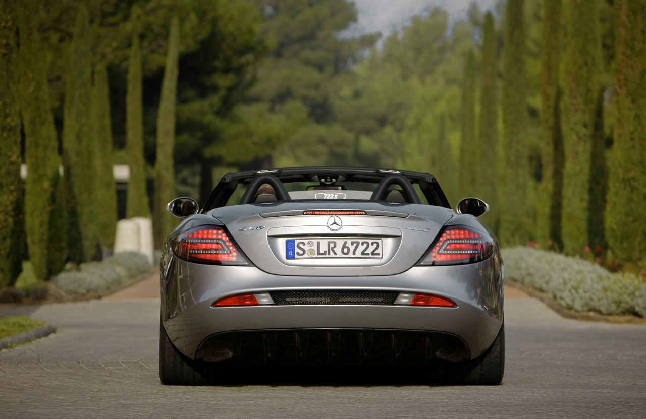 677003 1218255 5509 3577 08C1171 08 at Mclaren Mercedes SLR Roadster 722S   New pics
