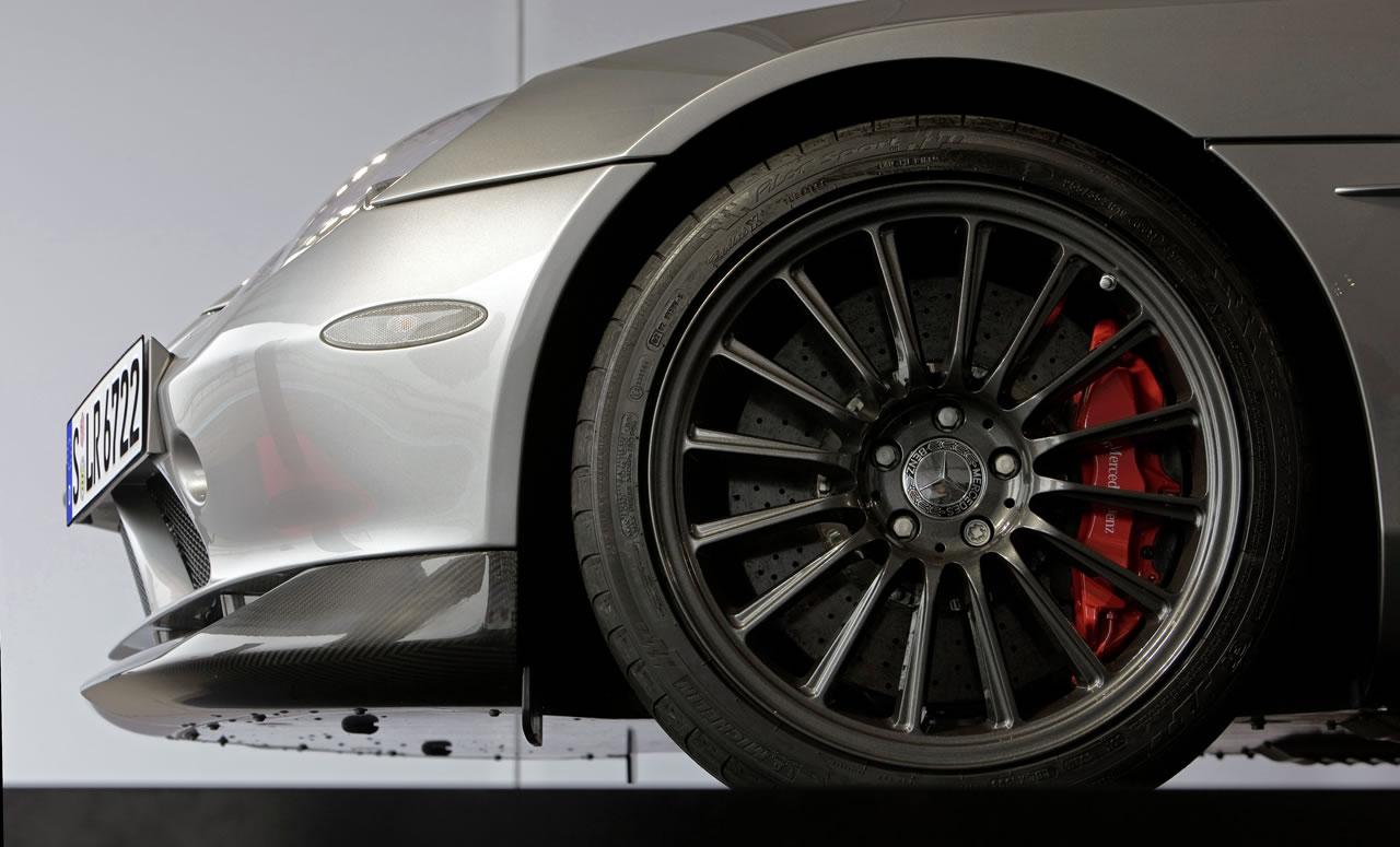 677012 1218280 5429 3288 08C1171 16 at Mclaren Mercedes SLR Roadster 722S   New pics