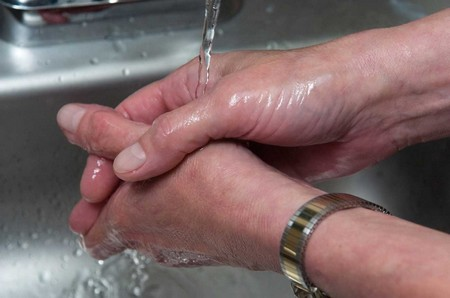 Wash Hands at How to Wash Gasoline Smell Off Your Hands
