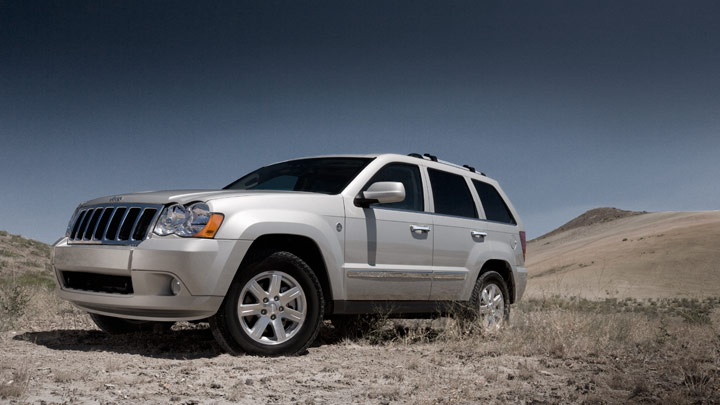 2011 jeep grand cherokee 01 at 2011 Jeep Grand Cherokee   IIHS Top Safety Pick Award Winner!