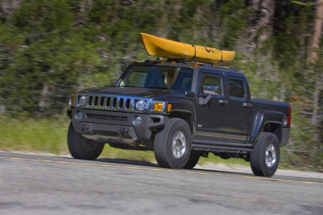 2009 h3t first appearance at Hummer H3T middle east debut at Abu Dhabi Motorshow