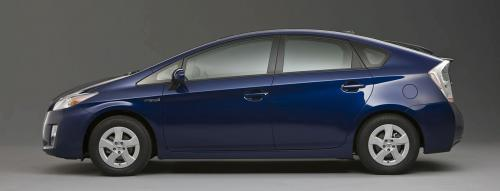 2010 Toyota Prius At Plugin With 65 Mpg