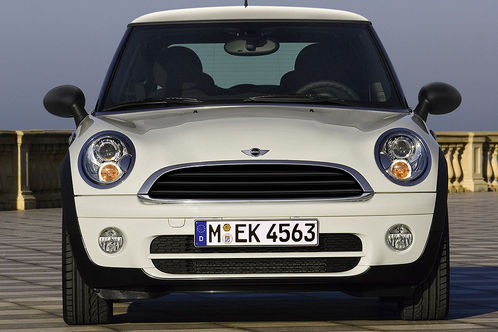 mini oneD 1 at Mini One D: New diesel model with 72 MPG!