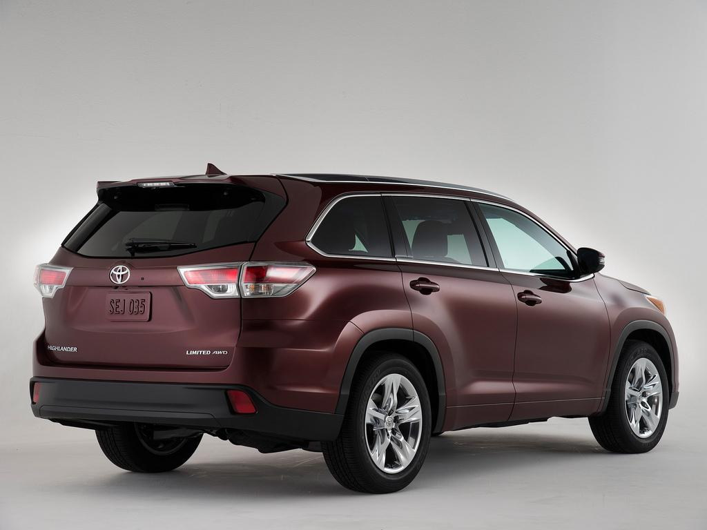 2014 Toyota Highlander First Pictures
