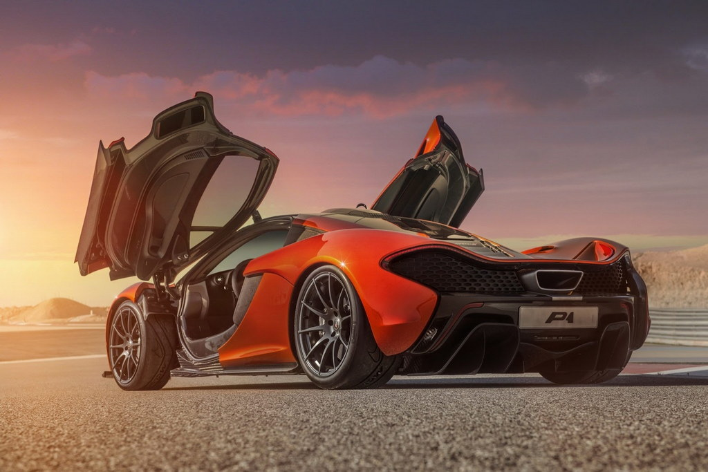 McLaren P1 Bahrain 1 at Gallery: McLaren P1 Launches in the Middle East