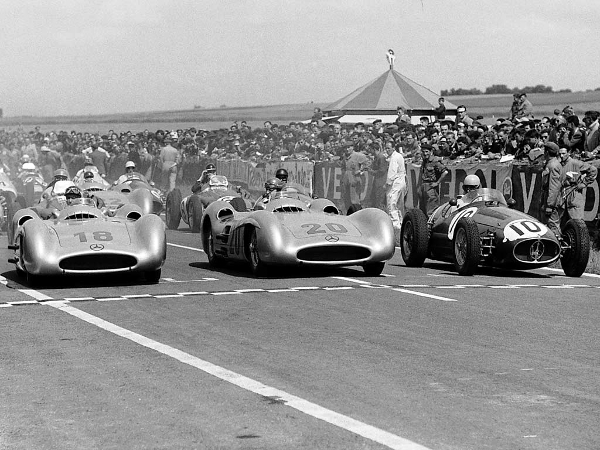 1954 france grand prix starting line at Tightest Race Finishes in F1 History