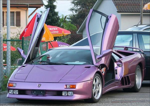 Lamborghini Diablo 600x423 at Fifty Years of Lamborghini, Five Decades of Style