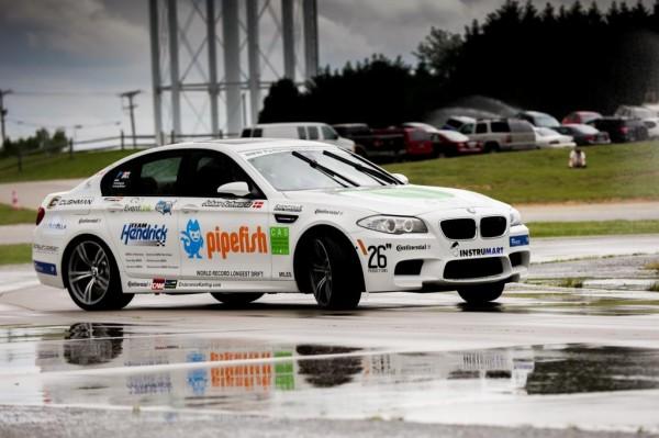 bmw m5 drift record 1 600x399 at BMW M5 Sets New World Drift Record   Video