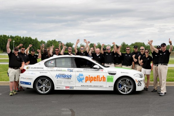 bmw m5 drift record 2 600x399 at BMW M5 Sets New World Drift Record   Video