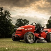 Honda Mean Mower 1 175x175 at 130mph Honda MeanMower: Only For The Stigs Lawn!