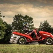 Honda Mean Mower 3 175x175 at 130mph Honda MeanMower: Only For The Stigs Lawn!