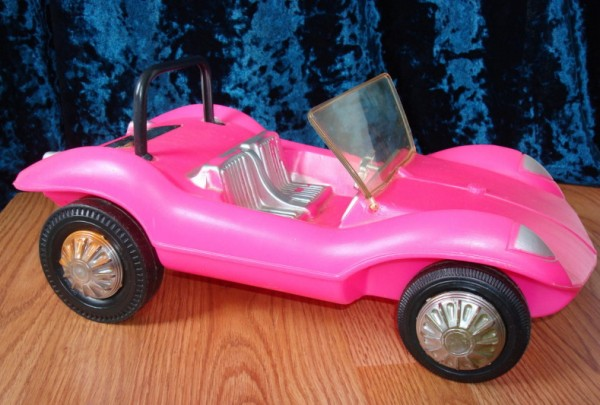 1970 barbie pink official buggy 600x405 at What's Barbie Driving? Barbies Cars History