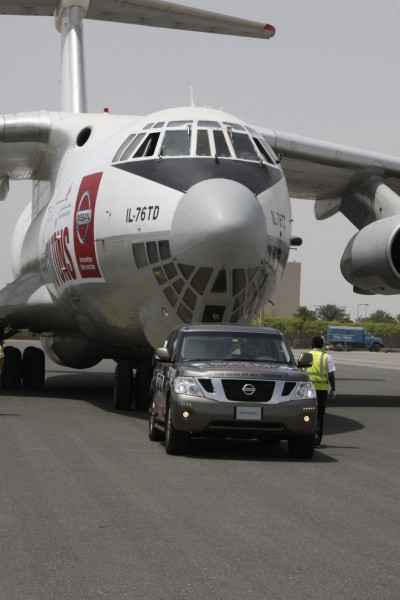 Nissan Patrol Challenge 3 400x600 at Nissan Patrol Tows Cargo Plane Into The Book Of World Records