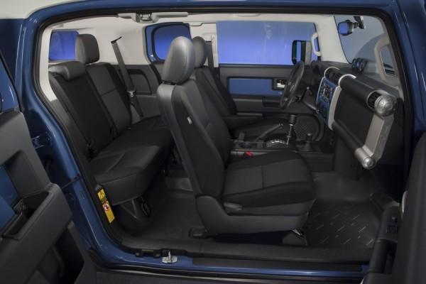 2014 Toyota FJ Cruiser 3 600x400 at 2014 Toyota FJ Cruiser: Specs and Details