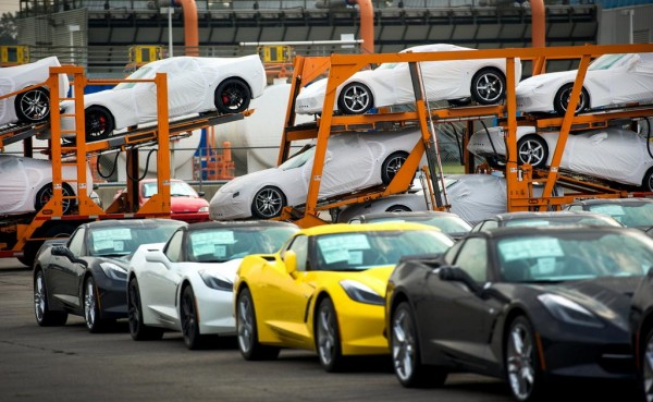 BowlingGreenCorvetteDelivery 1 600x369 at 2014 Corvette Stingray Deliveries Begin